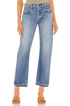 Moussy Sunnyland Straight in . Size 26, 24, 25, 27, 28, 29, 31.