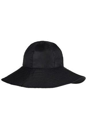 8 ACCESSORIES - Hats
