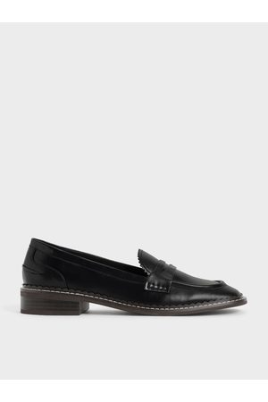 CHARLES & KEITH Scallop-Trim Penny Loafers