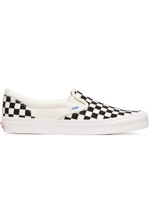 Vans Trainers - And white OG classic canvas slip on sneakers