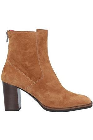 PAS DE ROUGE Women Ankle Boots - PAS DE ROUGE