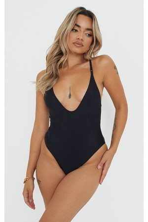 PRETTYLITTLETHING Petite Basic Low Scoop Swimsuit