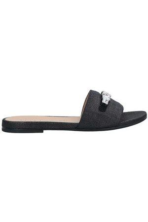 unisa Women Sandals - UNISA