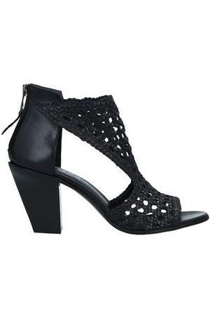 Strategia Women Sandals - STRATEGIA