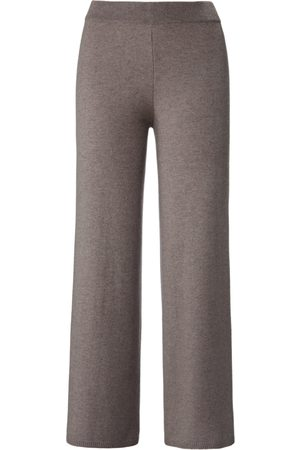 include Knitted trousers size: 10