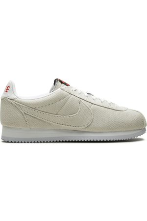 Nike Trainers - Cortez QS UD 'Stranger Things' sneakers