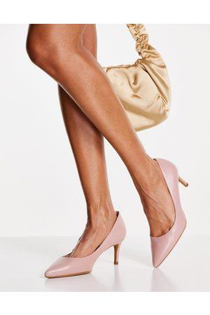 Ted Baker Maryen 7cm heel court shoe in blush
