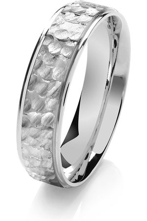 Love GOLD 9Ct Hammered Detail Wedding Ring