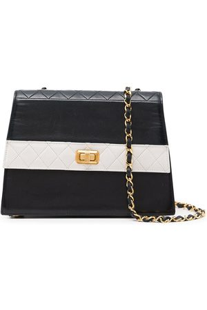 CHANEL 1990s diamond-quilted shoulder bag