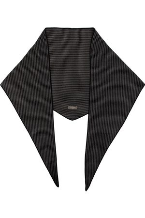 N.Peal Houndstooth cashmere scarf