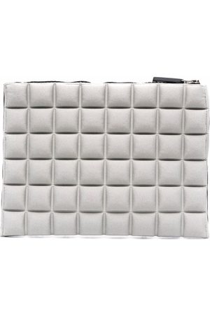 NO KA' OI Waffle-textured purse